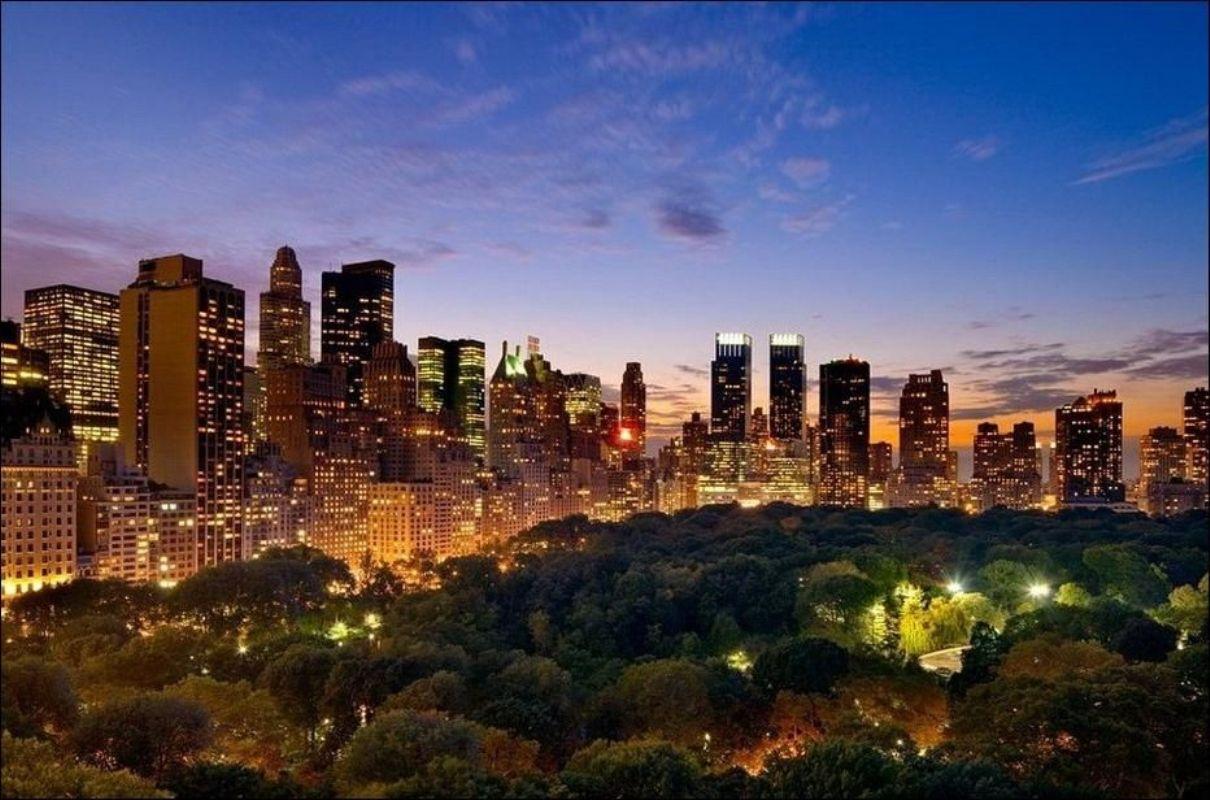 Ночной Нью-Йорк. Фотограф Evan Joseph.